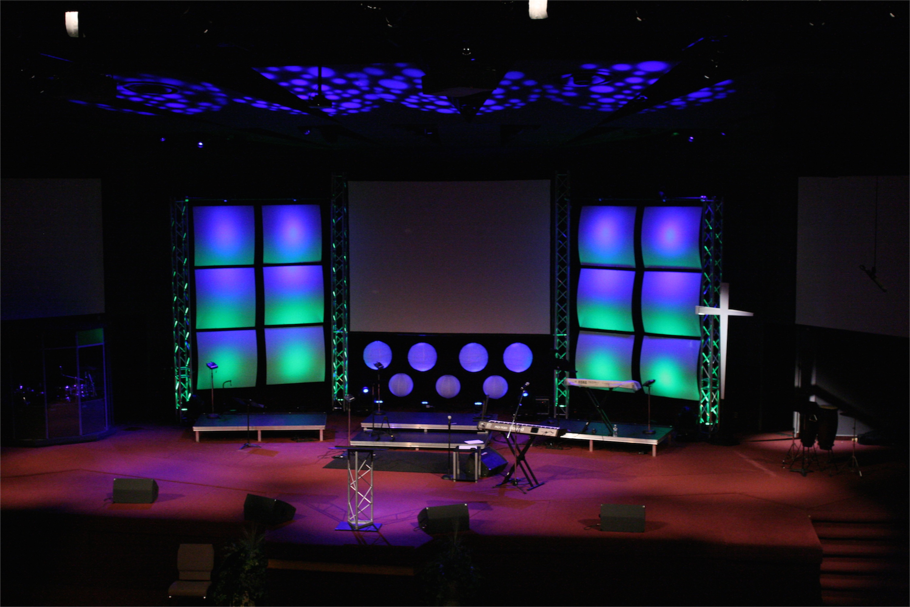 Ideas for church stage designs for small space joy for Outer space stage design
