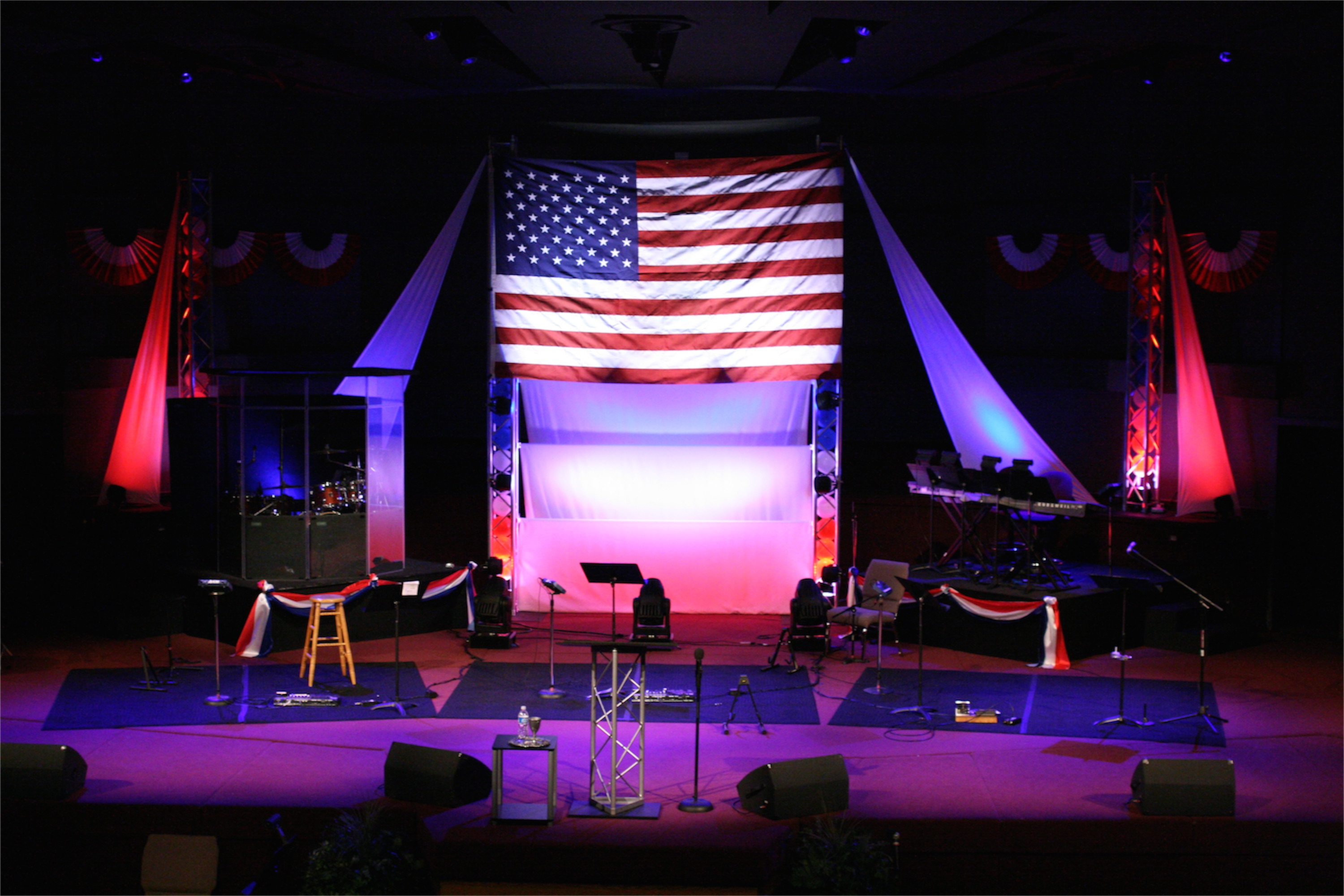 1000 images about patriotic stage decorations on for Auditorium stage decoration
