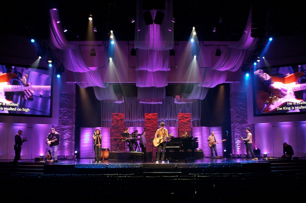 pics photos stage design lighting you name it of our friends and