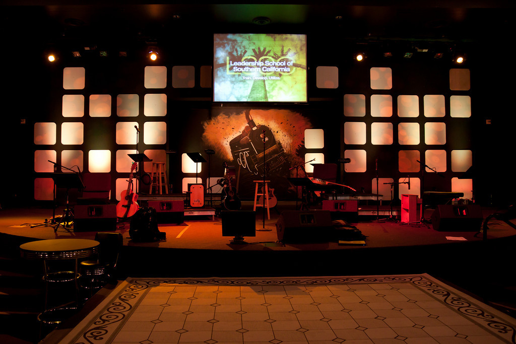 church stage design ideas scenic sets and stage design ideas from churches around the globe church stage ideas pinterest app design big words and - Small Church Stage Design Ideas