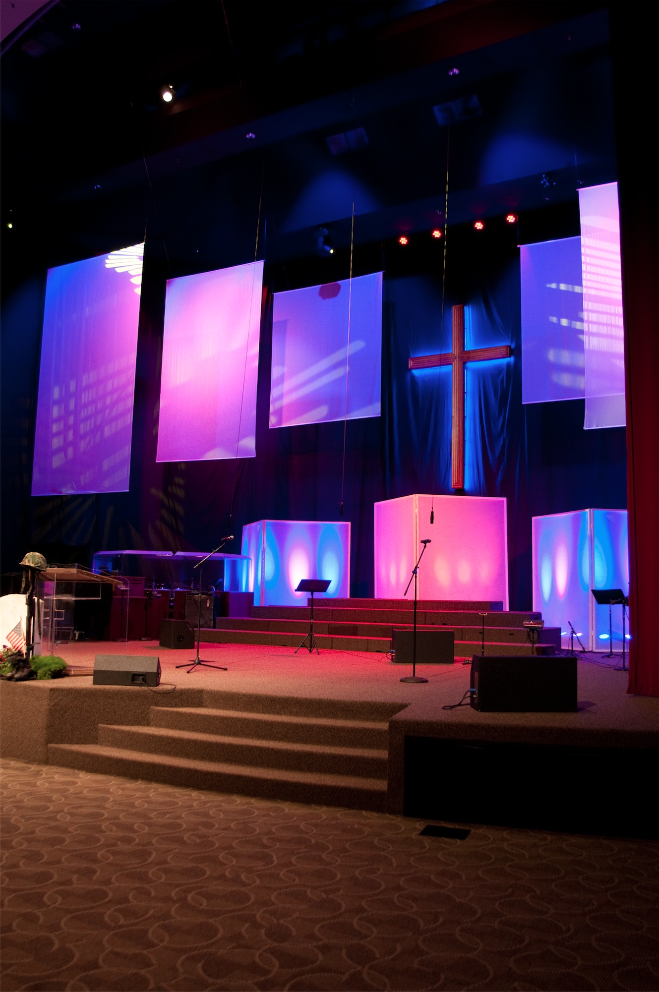 Wonderful Modern Church Stage Design 1329 x 2001 · 490 kB · jpeg