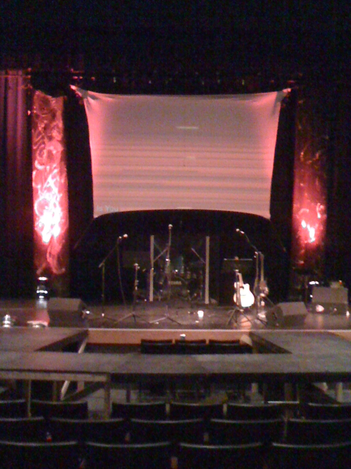 small scale grunge church stage design ideas