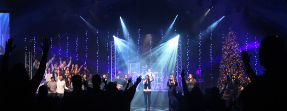Dangling Lights Church Stage Design Ideas