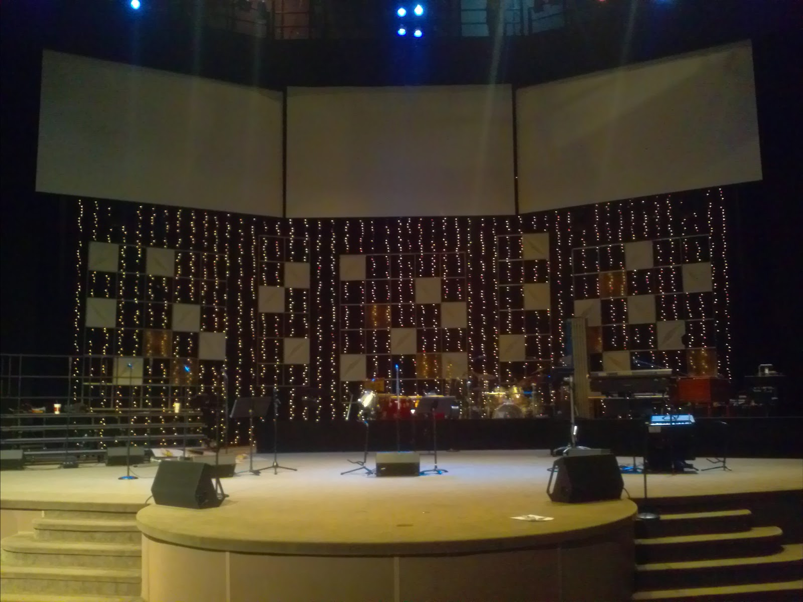 Christmas Grid | Church Stage Design Ideas