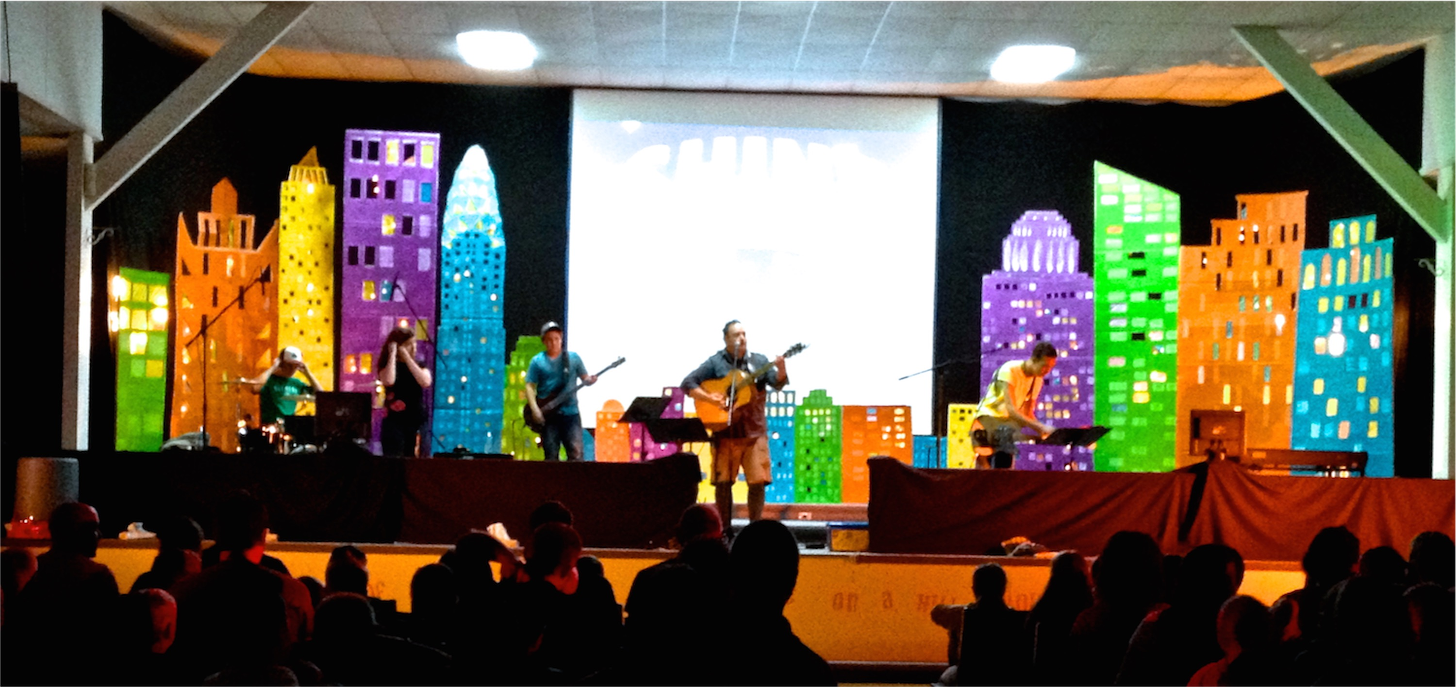 Kids in towers church stage design ideas for Background stage decoration