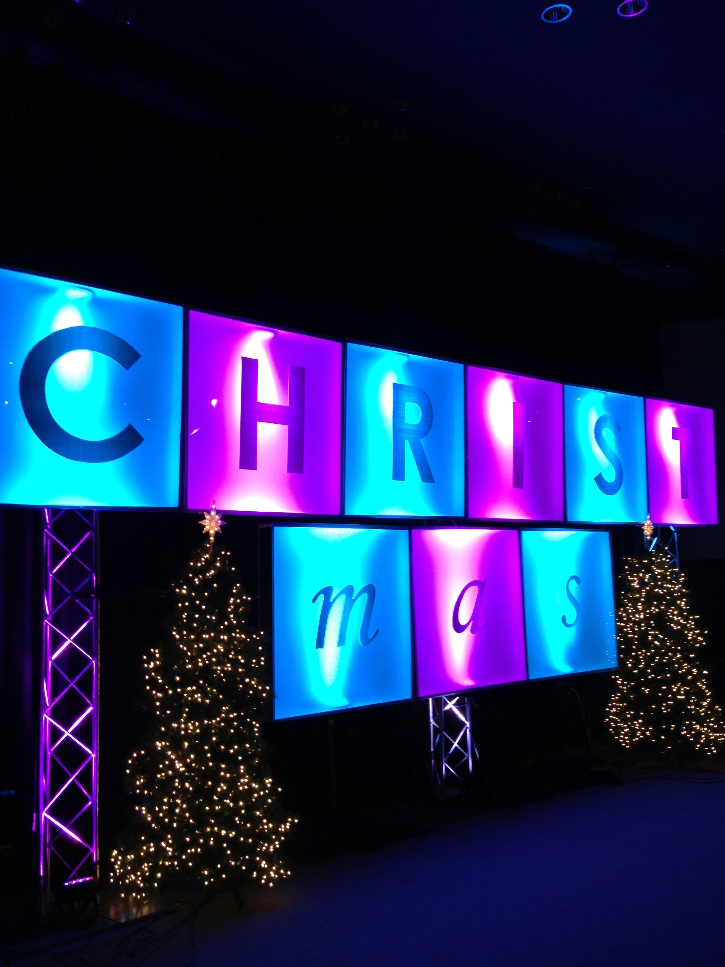 christmas ransom church stage design ideas