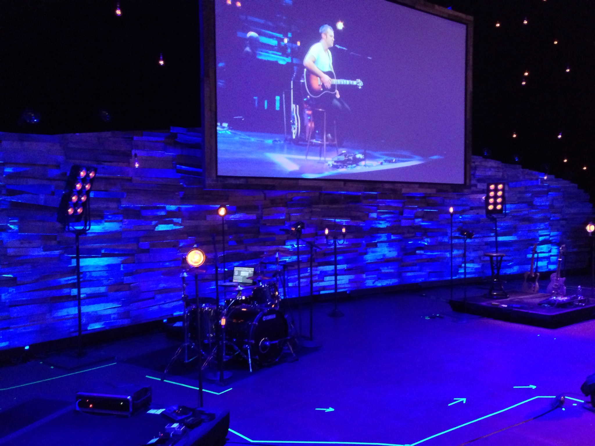 How to Maximize Your Church Stage Design for Cheap - Bertolini ...