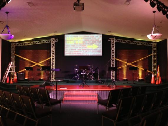 noid-nehemiah_stage
