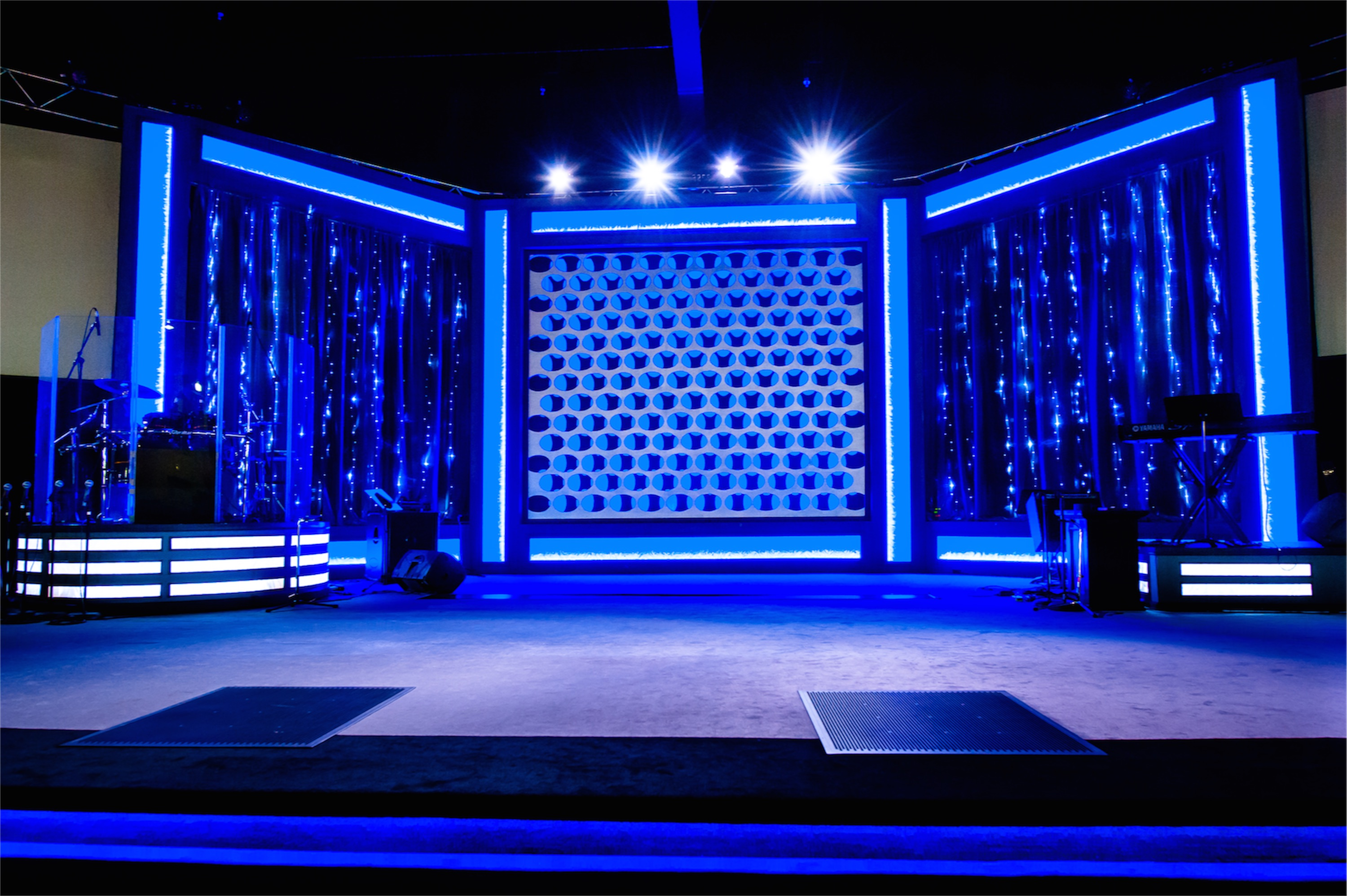 Grate Church Stage Design Ideas