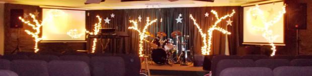 Sparkle-Trees-Christmas-Stage-Design