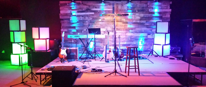 stacks on a deck church stage design ideas stage design ideas - Small Church Sanctuary Design Ideas