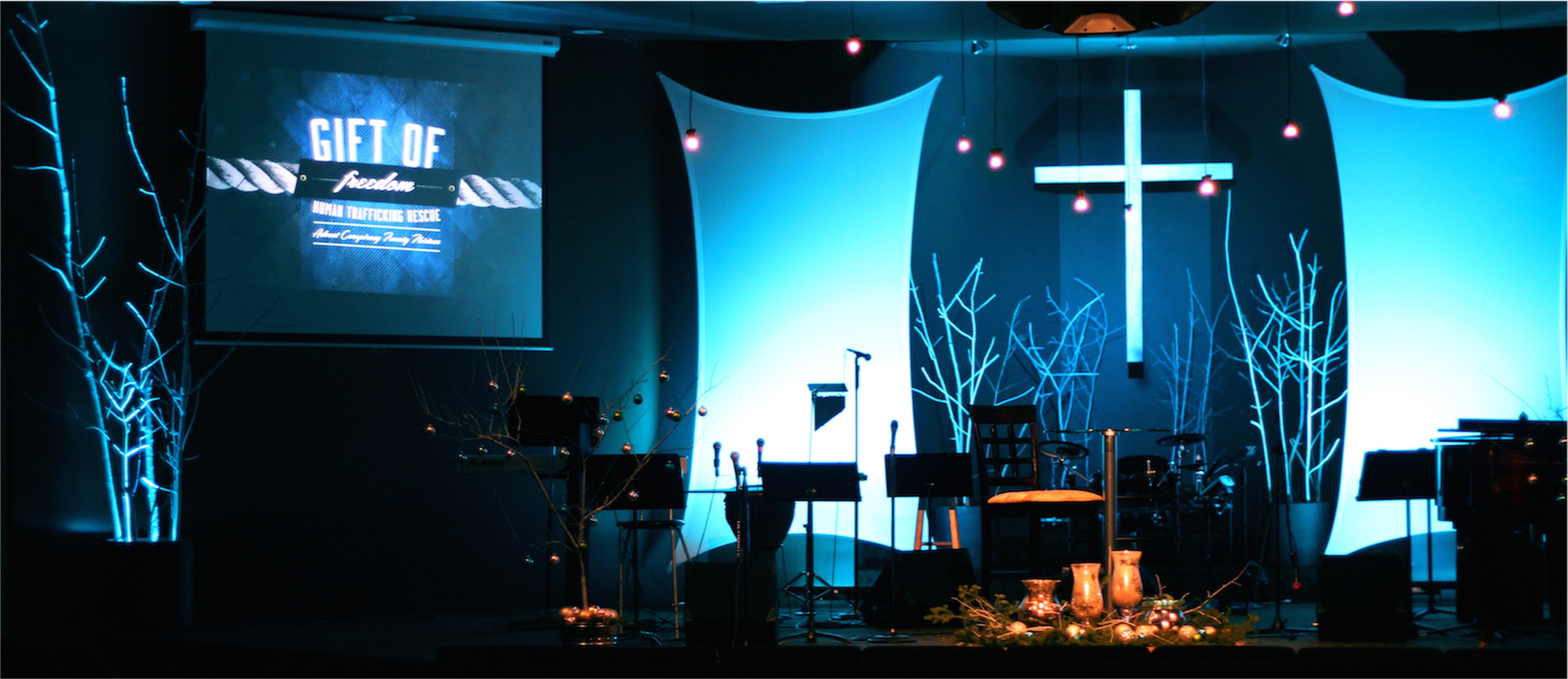 Twigs And Stretches Church Stage Design Ideas