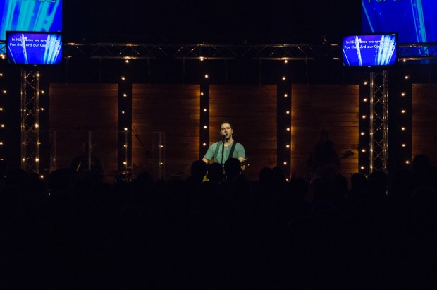 Hanging Wood Walls Church Stage Design Ideas