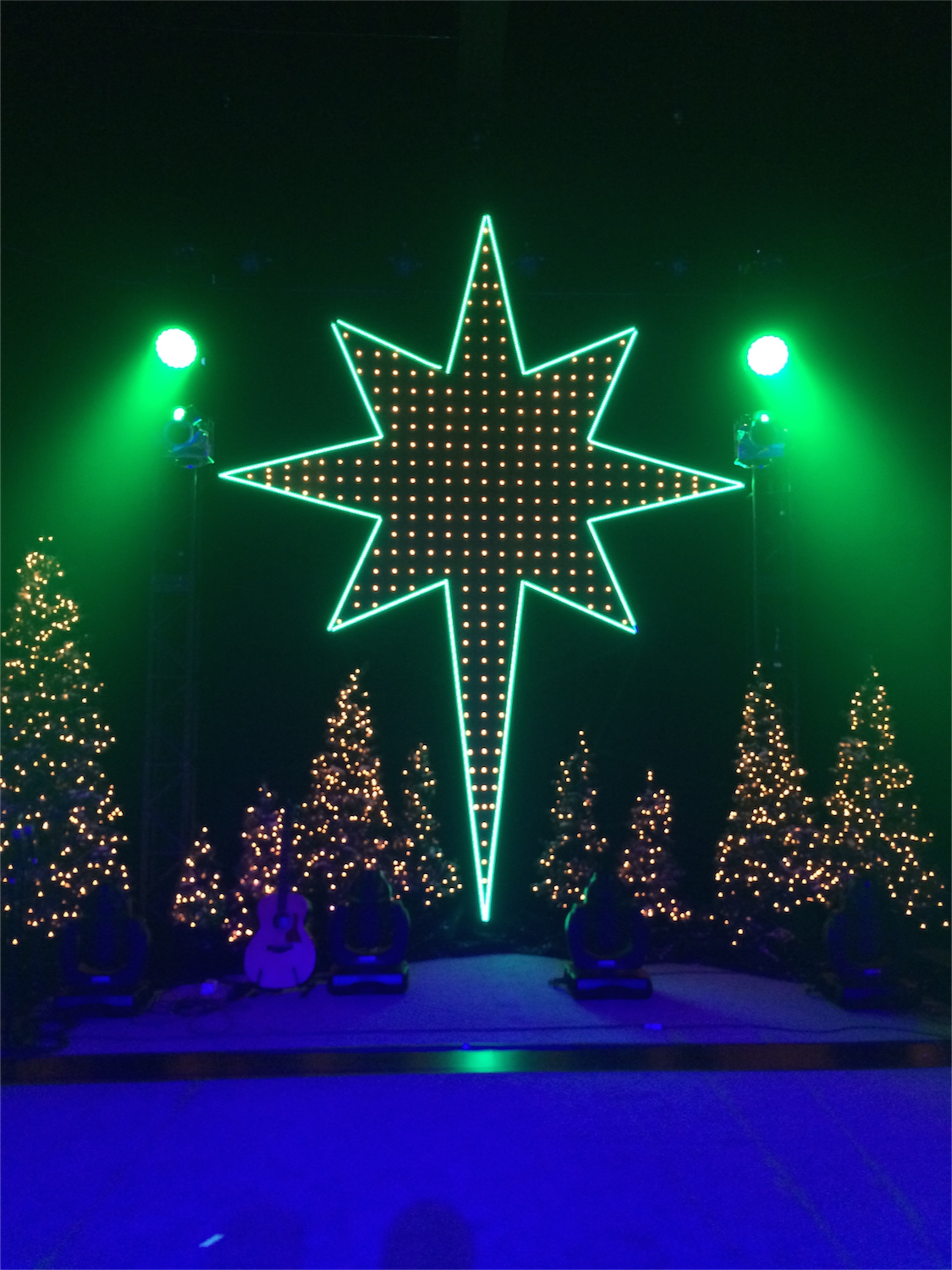 Starred Grid Church Stage Design Ideas