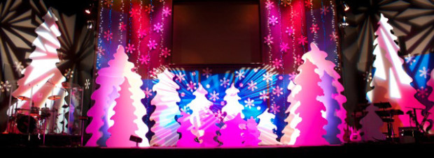 Swirly-Christmas-Stage-Design