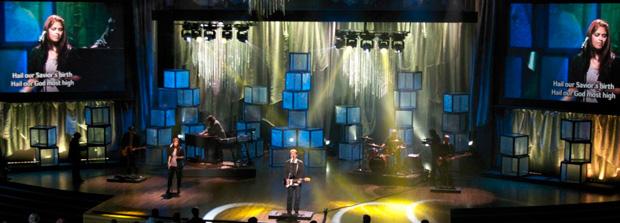 Shattered-Glass-Stage-Design
