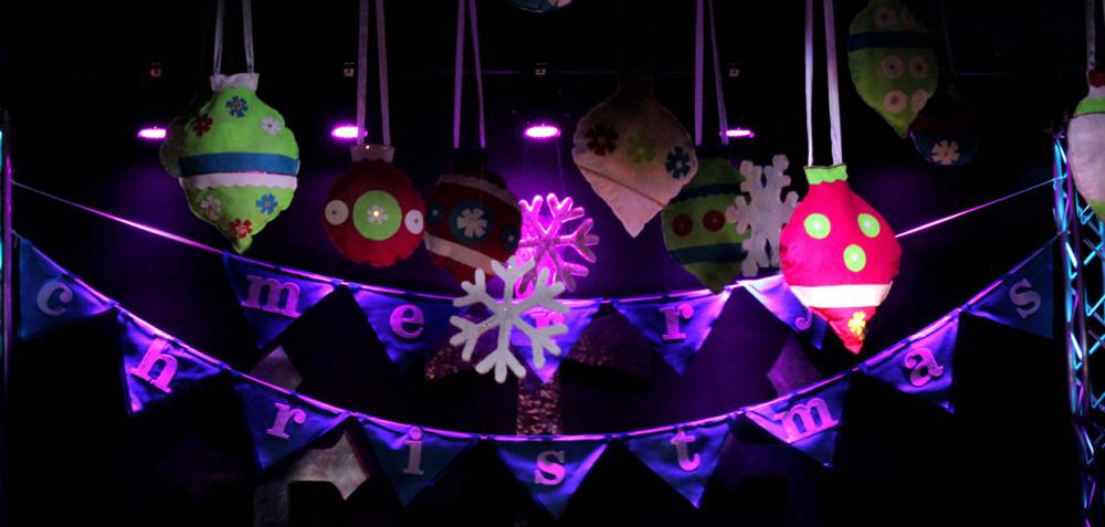 Felt-Christmas-Stage-Design