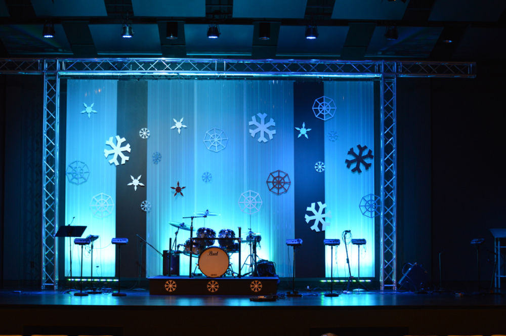 Winter-2015-Stage-Set