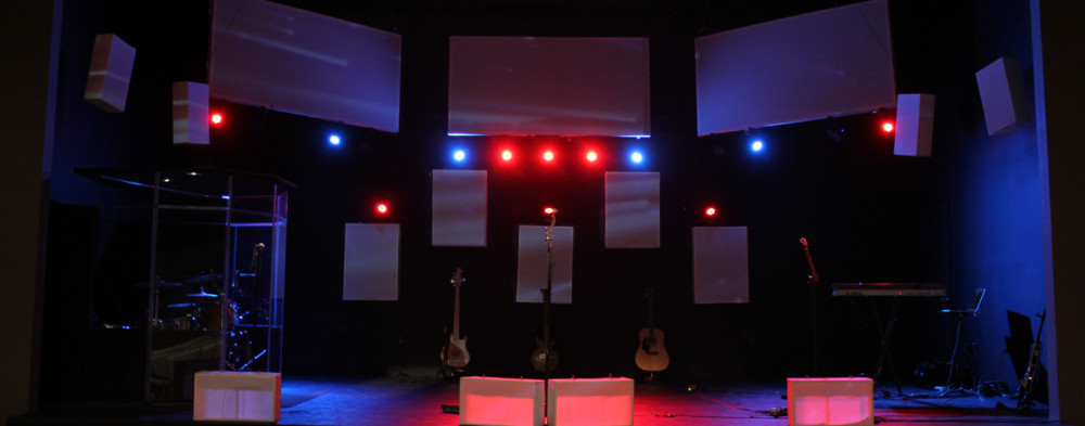 Boxed-Projection-Stage-Design