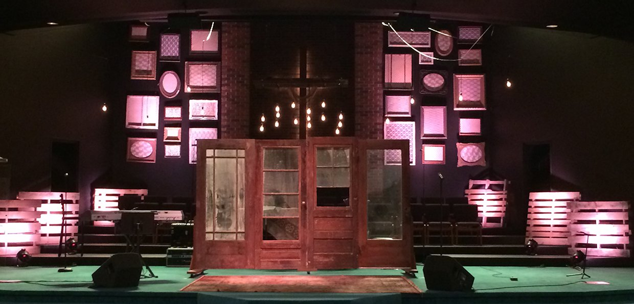 Eccentric Rustic Church Stage Design Ideas