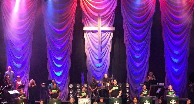 Oozing fabric church stage design ideas