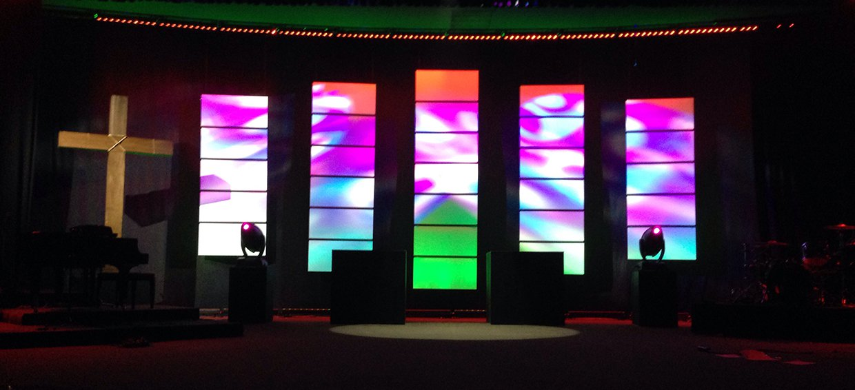 Separated Coroplast Church Stage Design Ideas