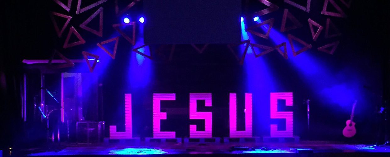 Jesus Angles Church Stage Design Ideas