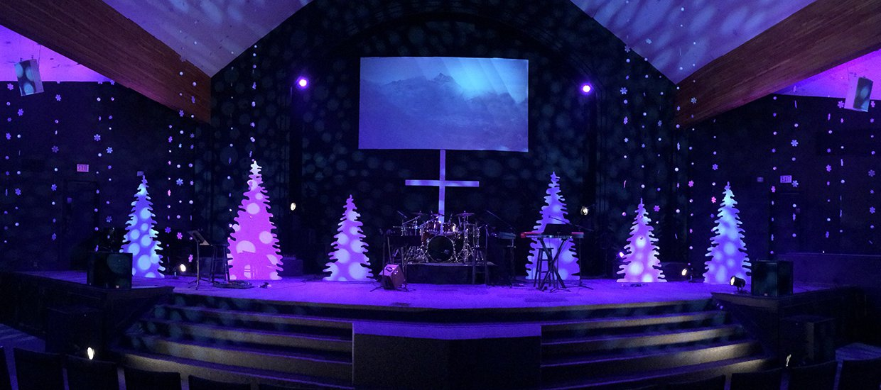 Tree Standing Church Stage Design Ideas