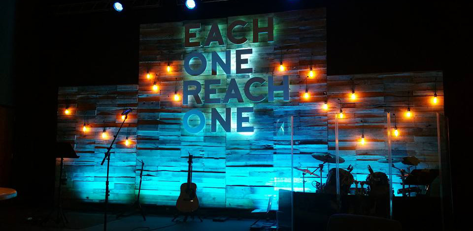 lights dropped out church stage design ideas