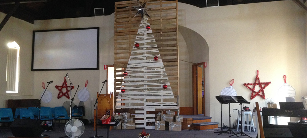 Christmas Pallet Stage Design