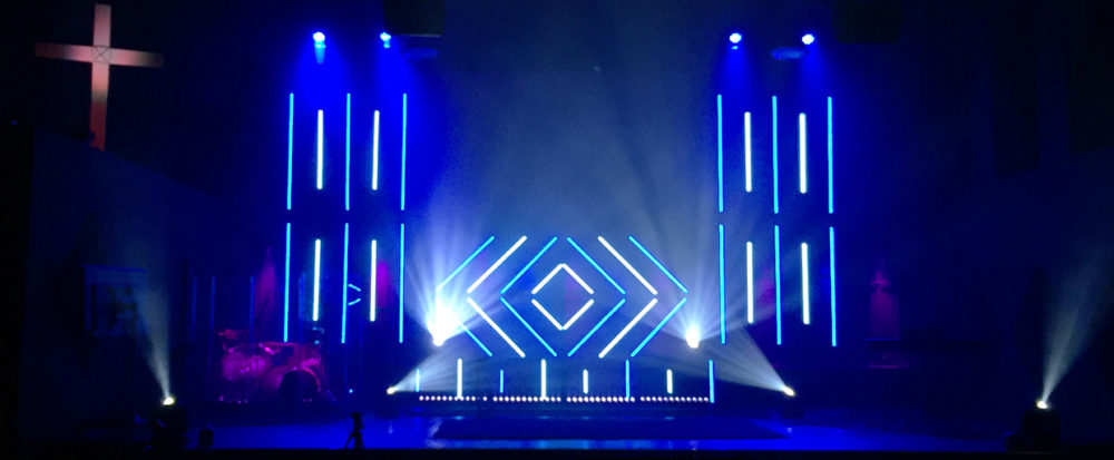 lined-lightly-stage-design