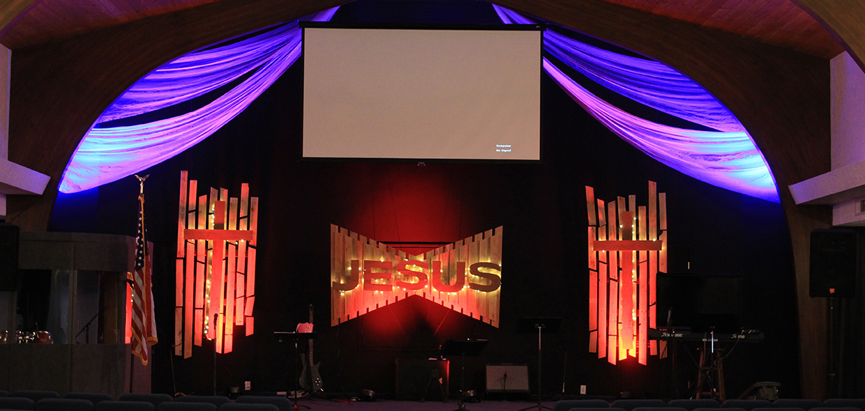 Pallet Segmented Church Stage Design Ideas