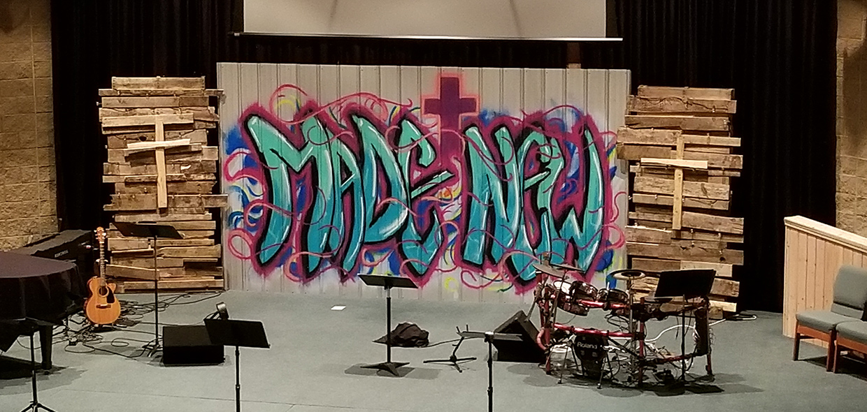 Graffiti And Pallets Church Stage Design Ideas