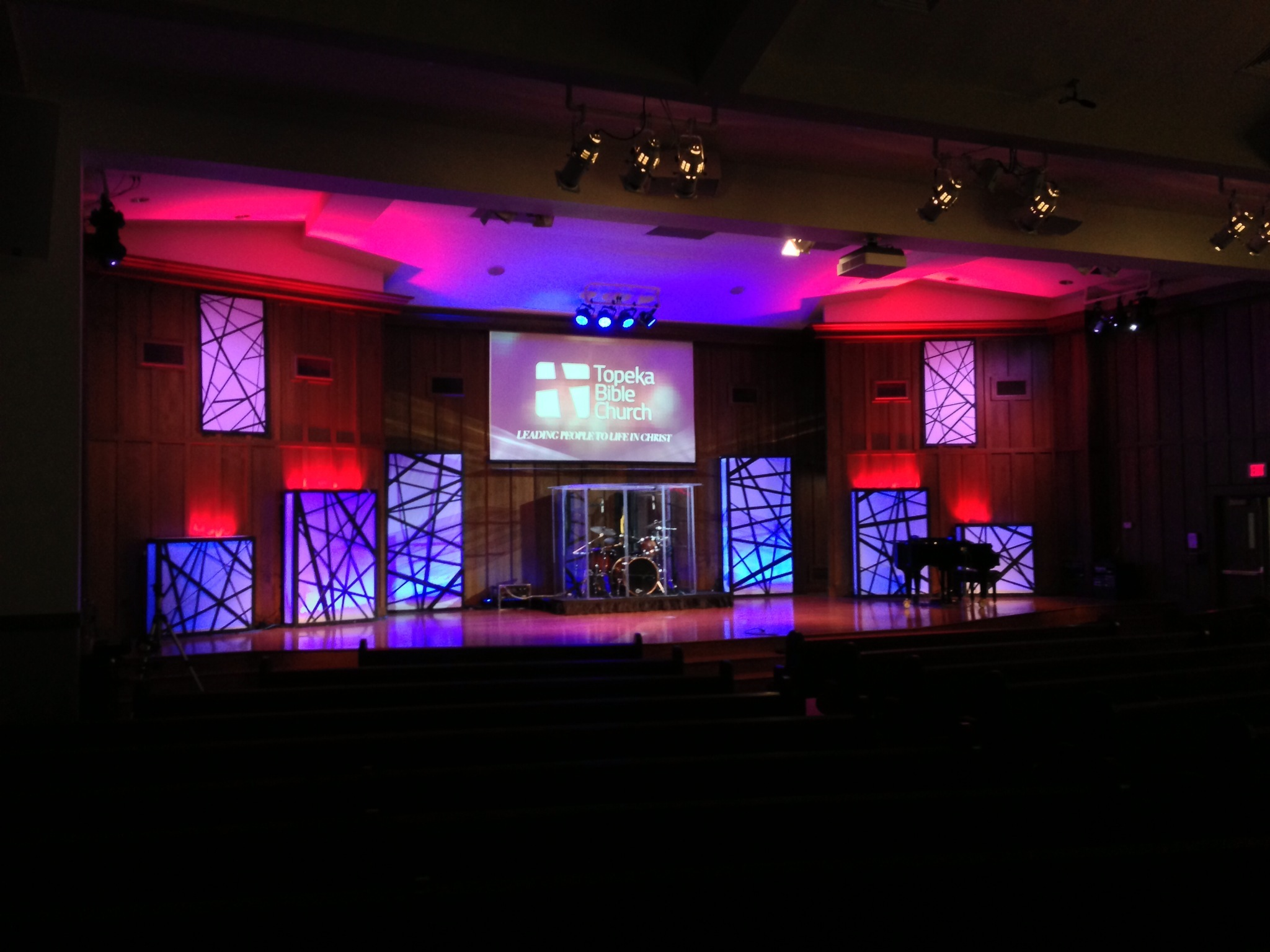 Tangled Boxes Church Stage Design Ideas