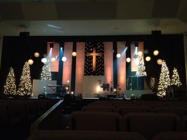 Christmas_2012_stage_design_pic_9