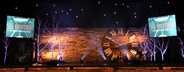 Pallet Clock - Church Stage Design Ideas - Scenic sets and ...