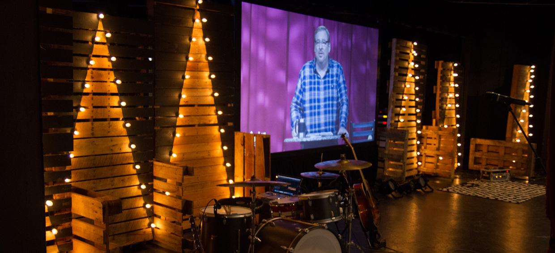 Paint Pallet Light Church Stage Design Ideas