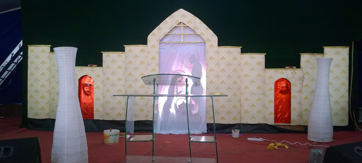 Middle Eastern Manger Church Stage Design Ideas