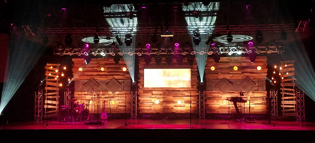 Pallets Are Blind Church Stage Design Ideas